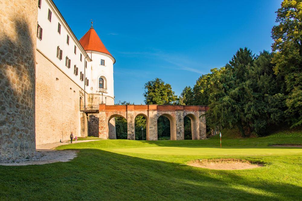 Slovenian golf