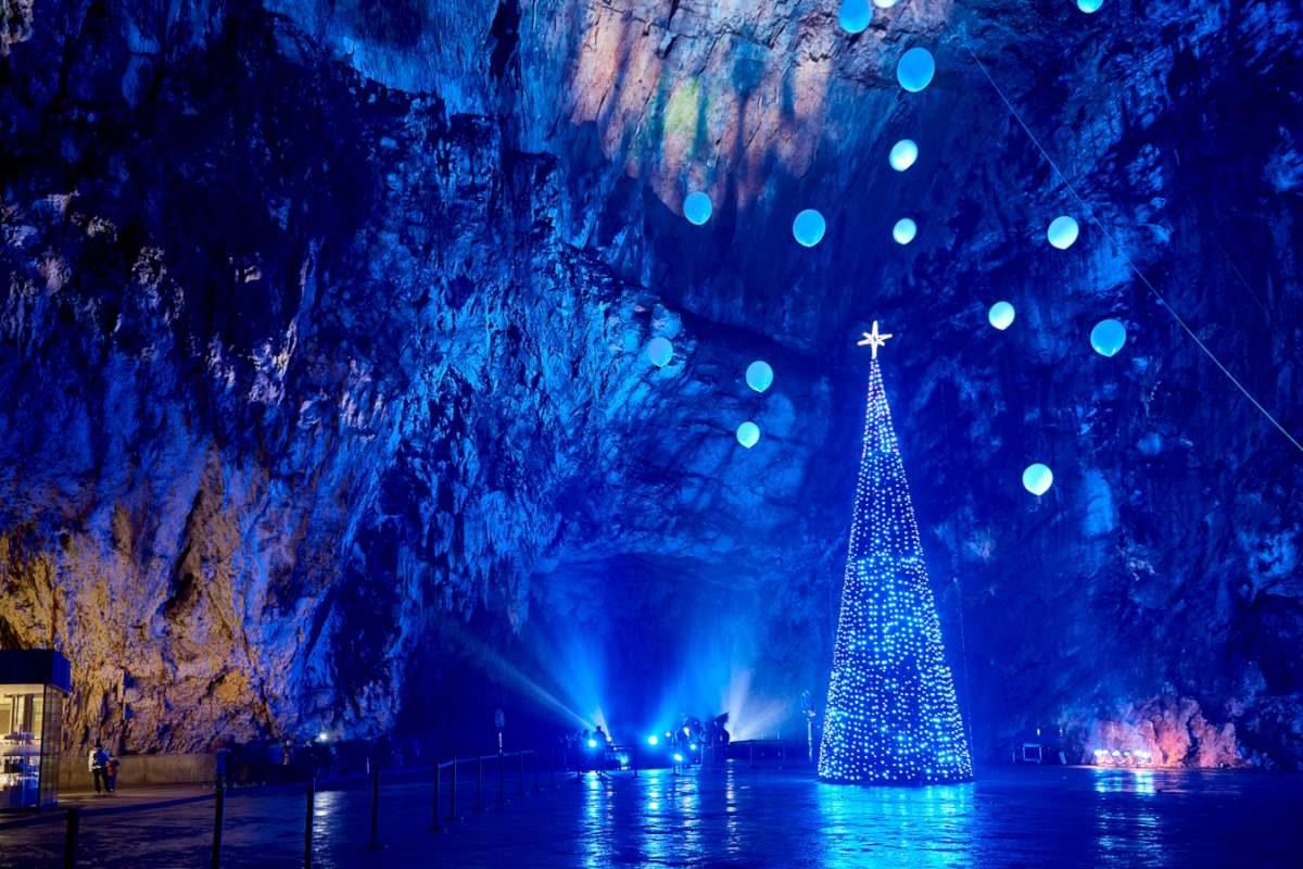 Postojna cave live Christmas crib show