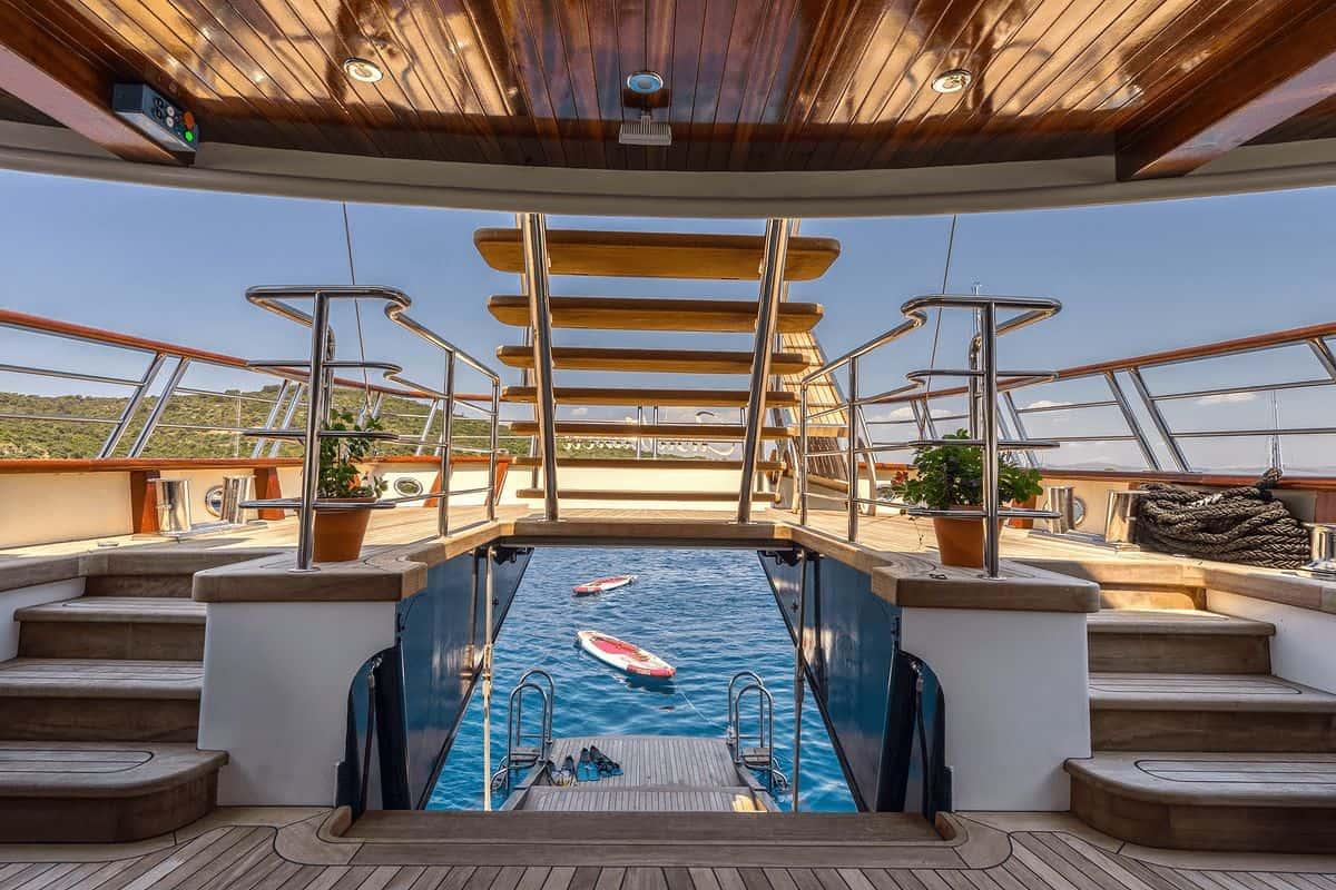 Casablanca - deck