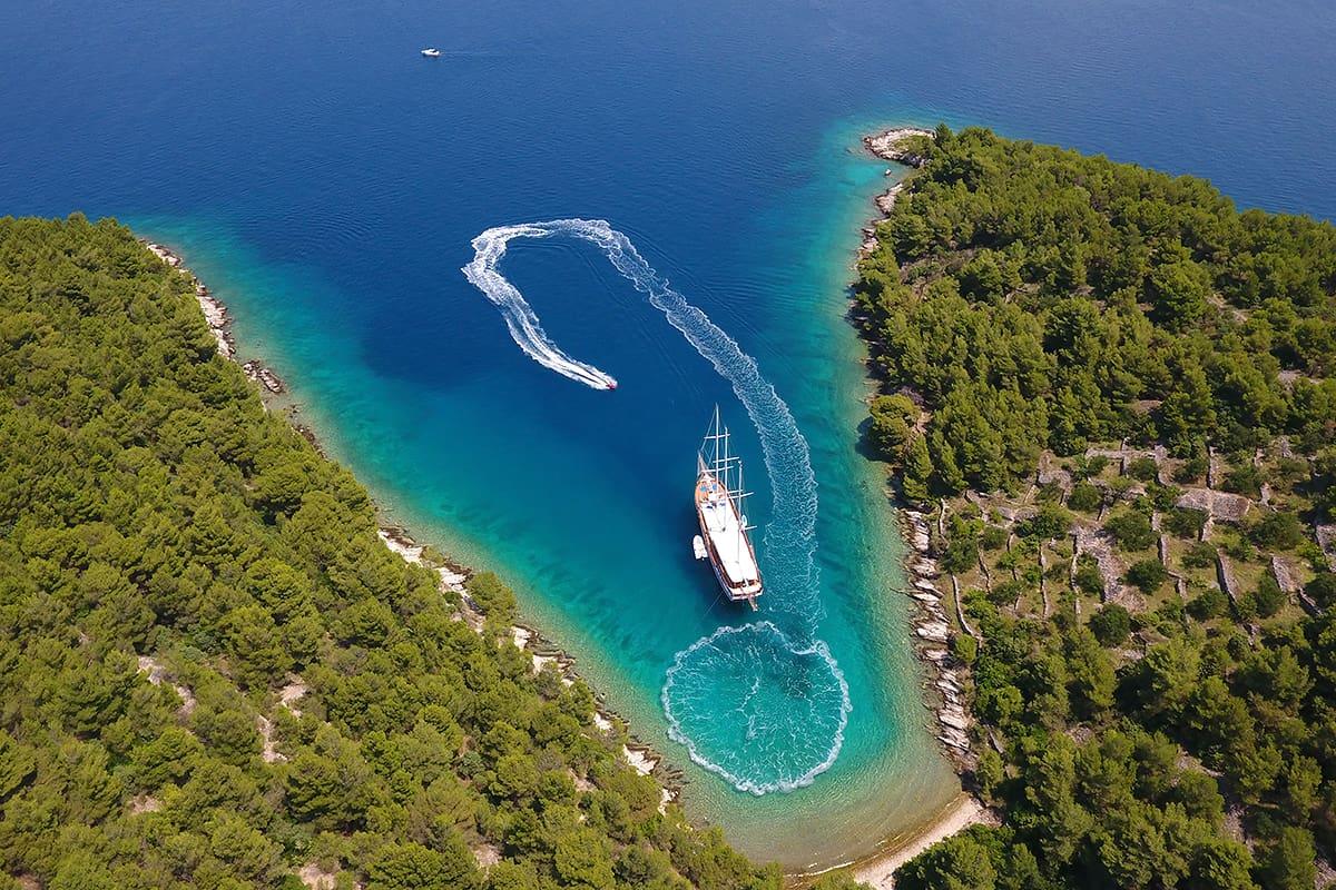 Luxury gulet holidays in Croatia: Dolce Vita