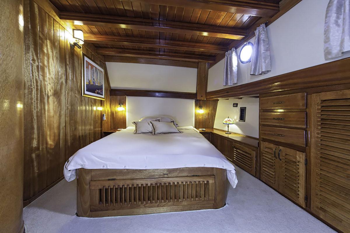 Libra - Cabin