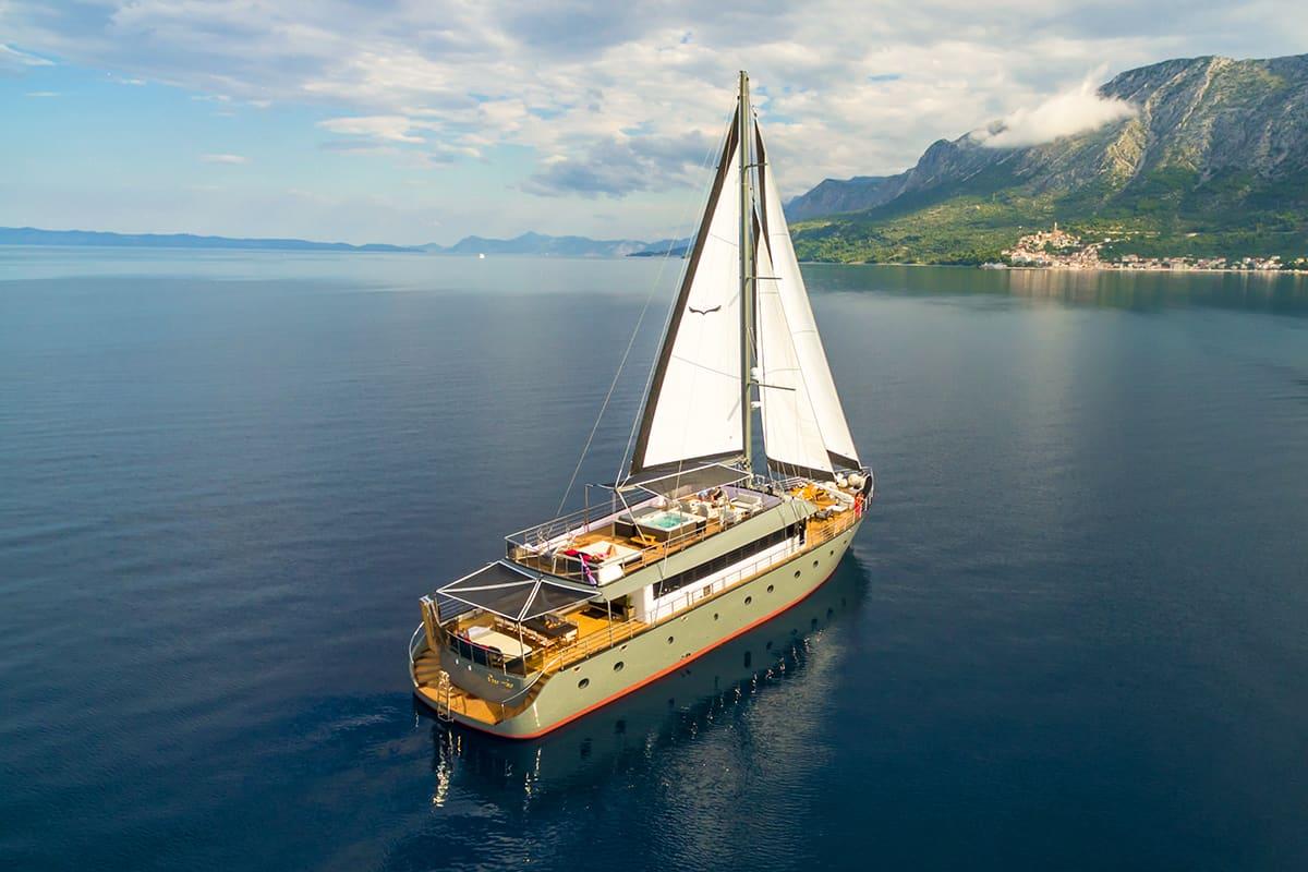 Luxury gulet holidays in Croatia: Rara Avis