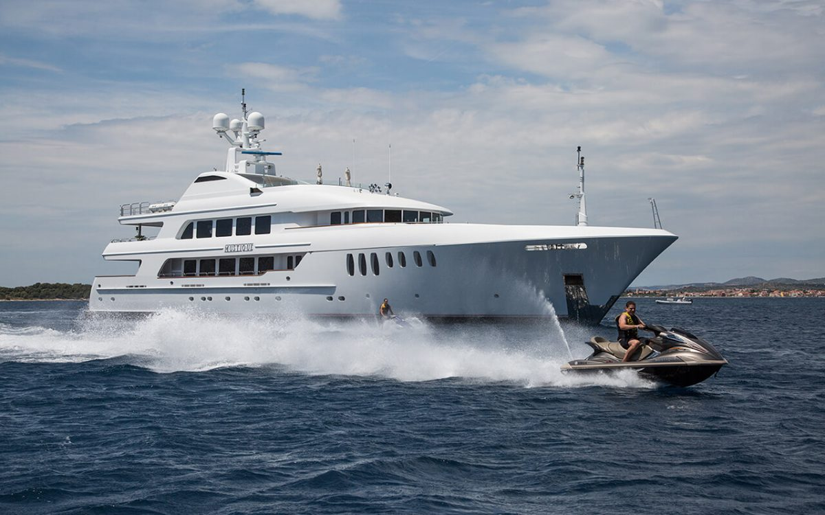 Yacht charter in Croatia - MY Mustique